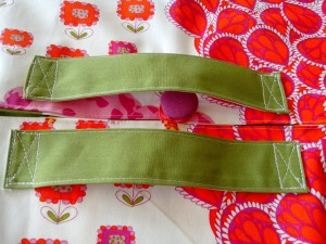 emporte-plat-colore-rose-orange-vert-poignee