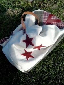 xxl-bag-blanc-etoiles-rouges-7